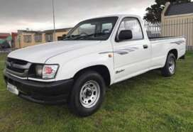 2005 Toyota Hilux 2.4D LWB for sale