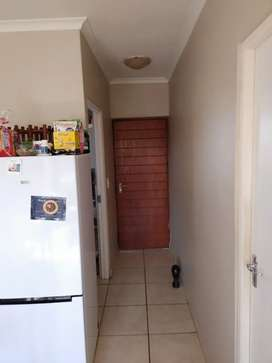 2 large bedroom for rent R6100 p/m close to Buh-Rein