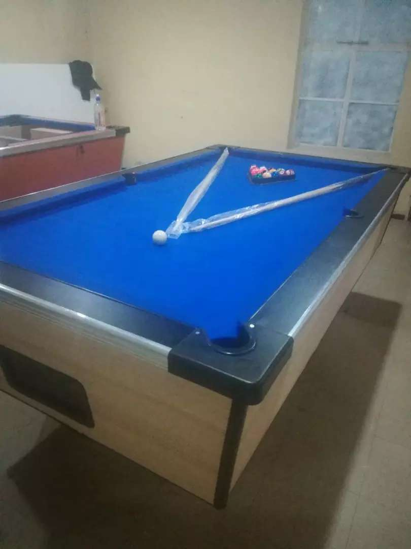 New coin operated pool table 0