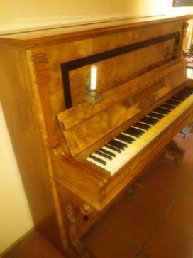 Solid Rose wood Piano with avery keys