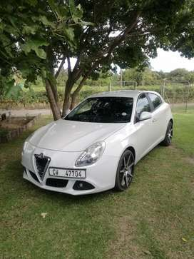 Alfa Romeo Guilieta 1.4tbi (distinctive)