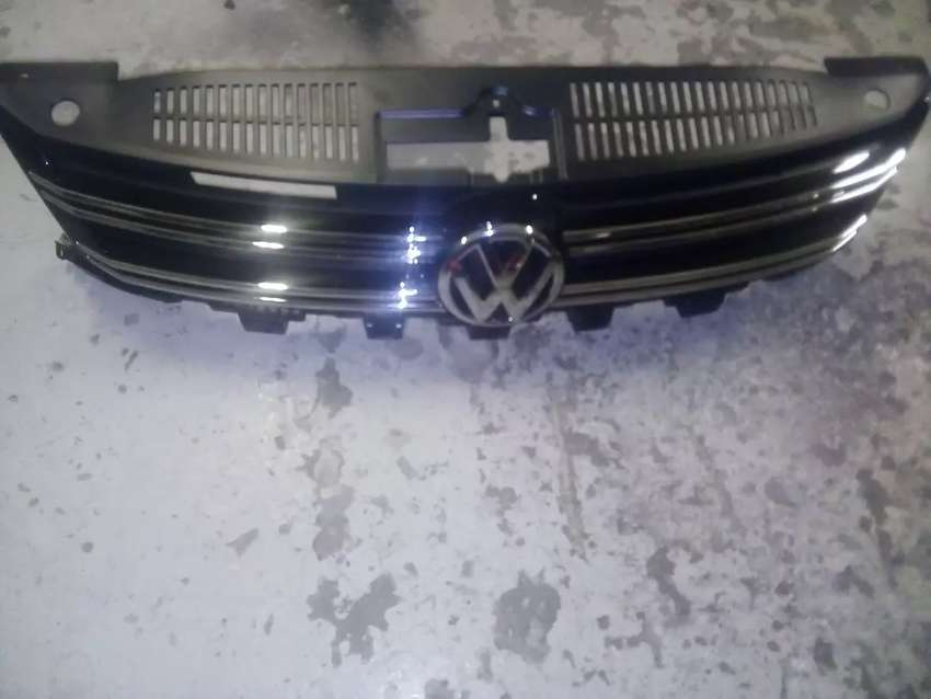 VW Tiguan complete grill