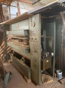 INTERWOOD HEATED HYDRAULIC PRESS