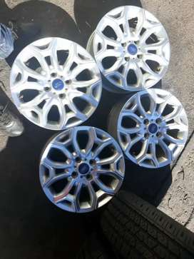 Ford Ecorsport mags orginal 16inches