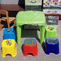 стол детский пластиковый ,разборной