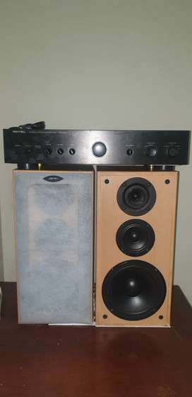 Rotel Amplifier RA-930AX AND JAMO SPEAKERS