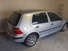 VW GOLF (Good Condition)