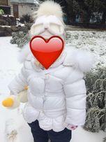 Білосніжна зимова курточка на дівчинку