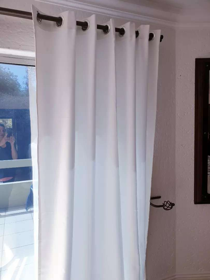 4 meter wide drops. Beautiful thick luxurious curtains. 0