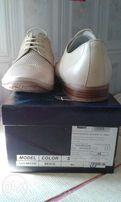 продаю кожаные мужские бежевые туфли 40 р. Respeсt