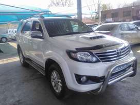 TOYOTA FORTUNER 3.0D-4D MANUAL