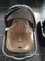 Fotelik samochodowy Primo Viaggio z bazą