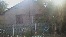 Продам дом с садом и участком в с. Роздольном