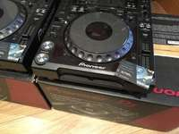 Image of pioneer-cdj-2000-nexus-pair-in-boxes-with-manuals-cables