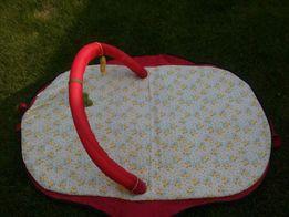 Składany leżaczek dla niemowlaka