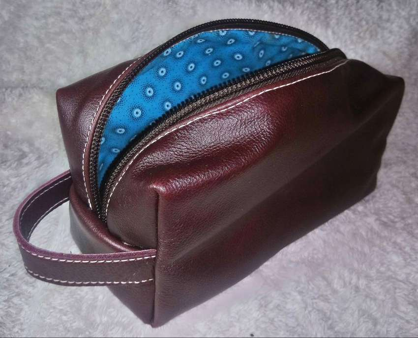 Genuine leather mens toiletry bags 0