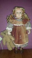 Фарфоровая кукла с мишкой Leonardo Collection