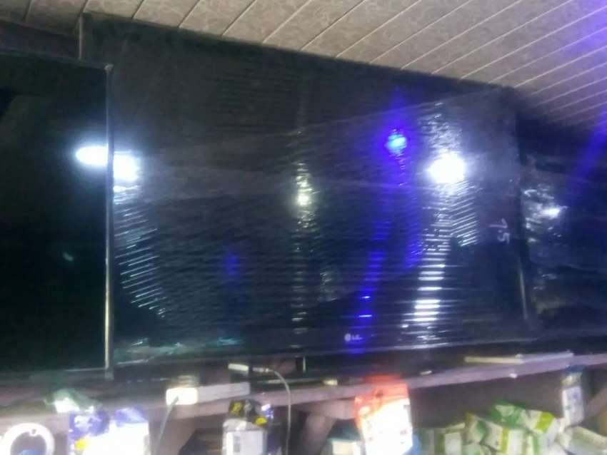 LONDON USED 50INCHES 0