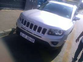 jeep compass driveiing and still in good codition automatic