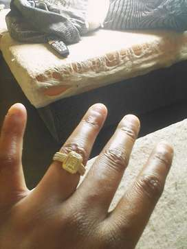 Selling a gold and silver ring