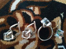 Набор из серебра: серьги, кольцо, кулон