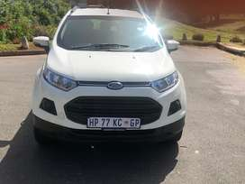 Ford ecosport  in a very good condition.model 2014 with one key