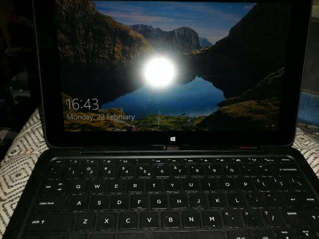 HP Pavilion X2 Tablet/Laptop6000 0