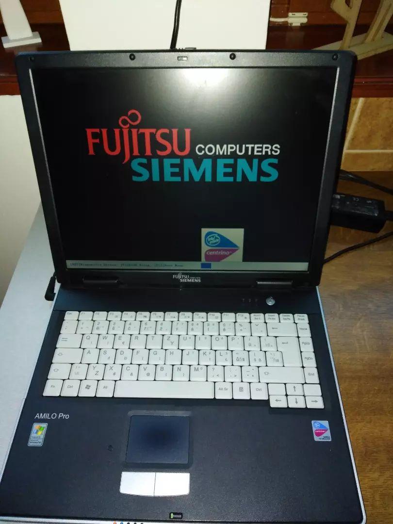 Fujitsu siemens Amilo Pro V8010 0