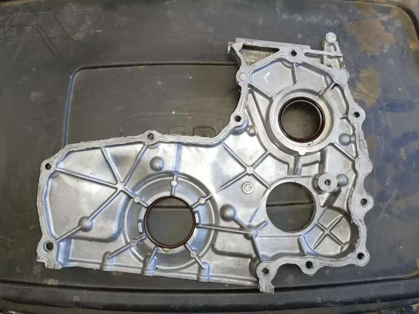 Mazda BT50 3.0 crank case cover 0