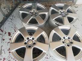 Mercedes-Benz mags size 17 set for sell