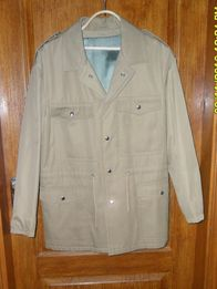 ПРОДАМ куртку мужскую демисезонную