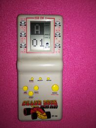Stara gra elektroniczna wyścigi Grand prix układanka