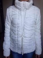 Белая женская куртка осенняя