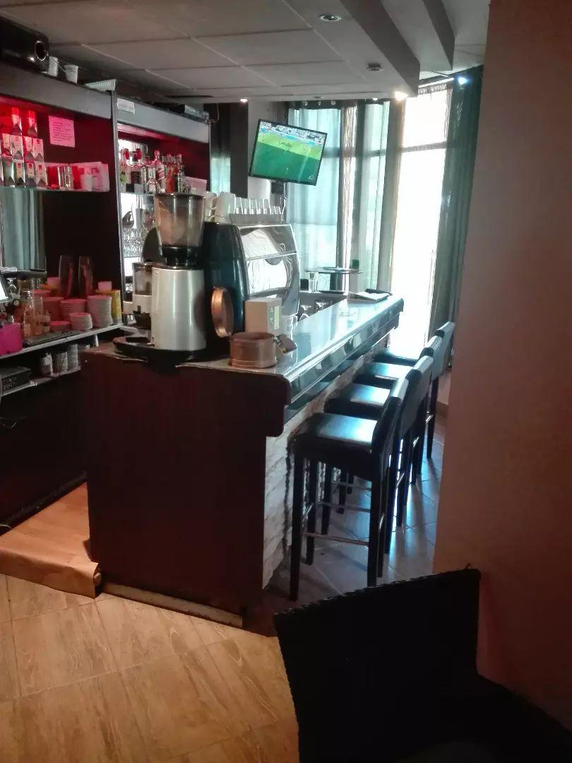 Caffe bar/uhodan 0