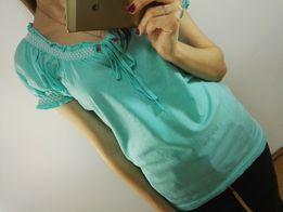 turkusowa bluzka