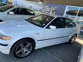 318i  Bmw  , 5speed with nice mags