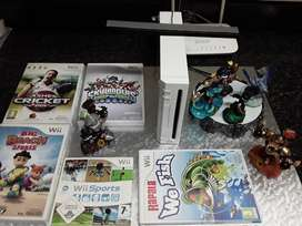 Wii Consoles & Games R1200