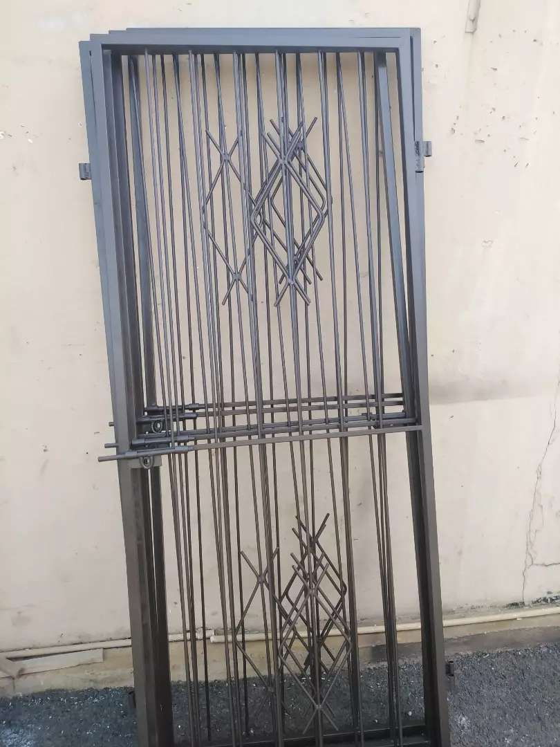 Bargain on Brand New security gate
