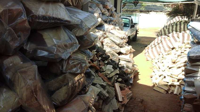 PIZZA OVENS FIREWOOD FOR SALE IN KEMPTON PARK.