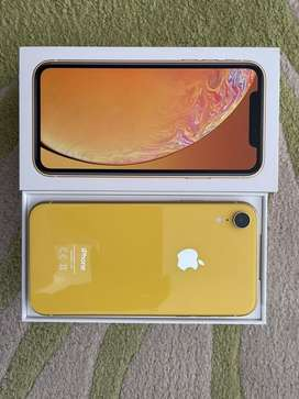 Iphone XR, yellow