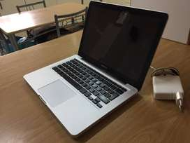 Macbook 13 inch early 2011