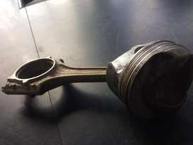 Audi A3 2.0FSI Pistons & Condrods for for sale.R850.00each