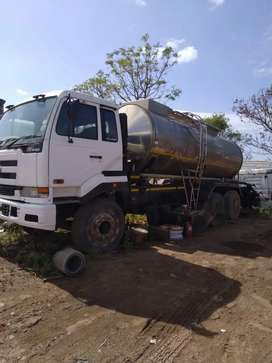 Nissan UD 440 with Milk tanker truck for sale