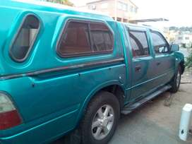 hi i have a isuzu kb250 double cab for sale with canopy 2000 model