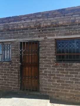 House to buy in Mabopane slovo, Madibeng hills.. Price is negotiable