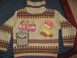 Теплый свитер с аппликацией