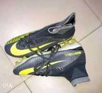 Mercurial football shoes 0