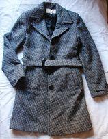Пальто в отличном состоянии, 85 % шерсти
