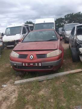 Renault megane 2005 2L 2 door convertible stripping for spares