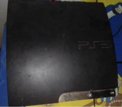 Ps 3 with 19 games,3 wireless remote and a gamemon steering wheel